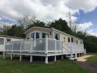 Haven 3 bedroom caravan hire   burnham on sea - Burnham-On-Sea vacation rentals