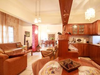 Cozy ample home for 4 people - 5* reviews! - Souda vacation rentals