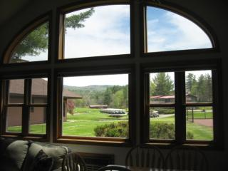 Spectacular 3 Bdrm Condo Lincoln/Woodstock Loon Mountain - North Woodstock vacation rentals