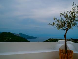 La Canna meravigliosa casa panoramica a Lipari - Lipari vacation rentals