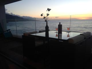 Ocean Front 42, the place right at the sea - Puerto de la Cruz vacation rentals