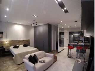 Romantic 1 bedroom Condo in Santana de Parnaiba with Parking - Santana de Parnaiba vacation rentals