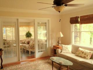 Charming, Classic Rehoboth Beach Cottage - Rehoboth Beach vacation rentals