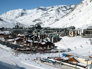 Nice Condo with Internet Access and Shared Outdoor Pool - Tignes vacation rentals