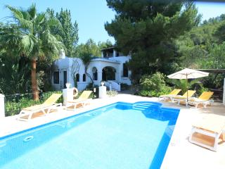 Nice 4 bedroom Sant Joan de Labritja Villa with Internet Access - Sant Joan de Labritja vacation rentals