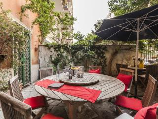 ST JOHN , CENTRAL & BRIGHT APARTMENT + PATIO - Rome vacation rentals