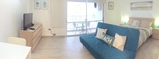 Queen size bed - Combining comfort and style - Isla Verde - rentals