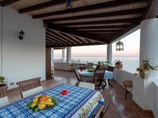 STELLA DEL MATTINO - MARGHERITA - Canneto di Lipari vacation rentals