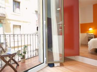 BARCELONETA BEACH TEBAS APARTMENT - Barcelona vacation rentals