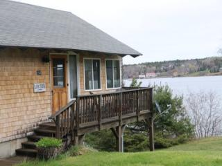2 bedroom House with Linens Provided in Sedgwick - Sedgwick vacation rentals