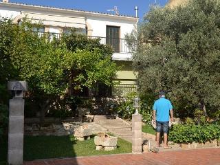 Casa reformada, muy espaciosa y con gran piscina - Campanet vacation rentals