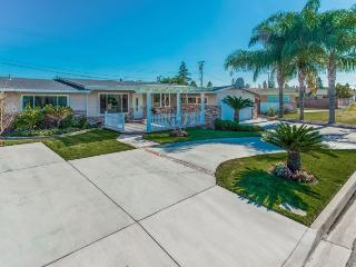 Gorgeous Pool Home Close to Disneyland and Anaheim Convention Center - Anaheim vacation rentals