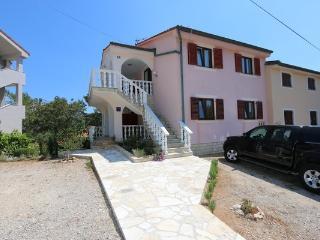 Cozy 2 bedroom Silo Apartment with Stove - Silo vacation rentals