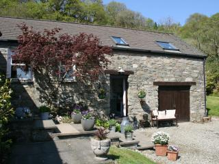 Charming Cottage with Internet Access and Television - Lochgair vacation rentals