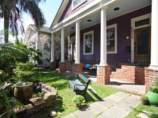 Uptown1BR near Audubon Park& Magazine St; sleeps 4 - New Orleans vacation rentals