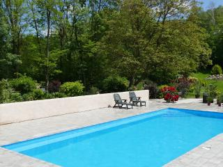 Perfect House with Internet Access and Water Views - Serres-sur-Arget vacation rentals