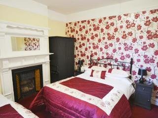 Stretton Guest House, Triple ensuite - Stratford-upon-Avon vacation rentals