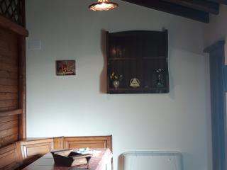 Cozy 2 bedroom Solicchiata Chalet with Parking - Solicchiata vacation rentals