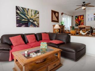 Splendida Villa con Piscina E8 - Playa del Carmen vacation rentals
