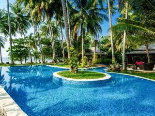 Villa Kalyana 20 room Beachfront Ko Samui Thailand - Taling Ngam vacation rentals