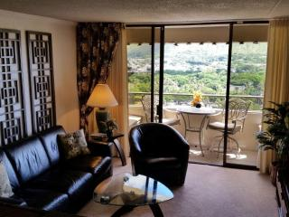 Iconic View, Quiet Side of Waikiki - Honolulu vacation rentals