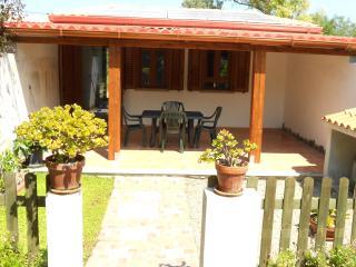 Monolocale vista mare, con patio e terrazza - Calasetta vacation rentals