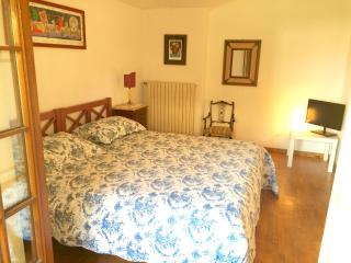 Romantic 1 bedroom B&B in Massa - Massa vacation rentals