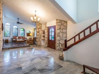 Casa Ana - Vaulted Ceilings, Convenient Location - Cozumel vacation rentals