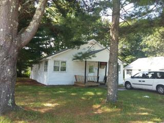 2-Bedroom house with WOOD-FIRED Sauna! - Hurleyville vacation rentals