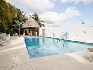LA PETITE MAISON 1 block from the beach! - Playa del Carmen vacation rentals