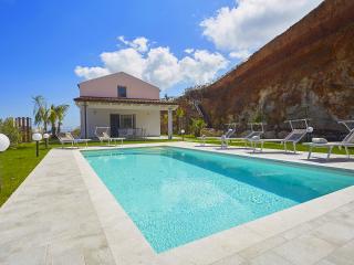 VILLA DELLA POIANA - Castellammare del Golfo vacation rentals