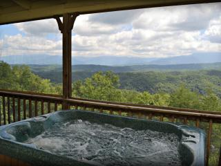 Cozy 2 bedroom Chalet in Pigeon Forge - Pigeon Forge vacation rentals