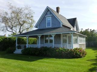 4 Bedroom 2 Bathroom Vacation Rental in Nantucket that sleeps 8 -(10352) - Nantucket vacation rentals