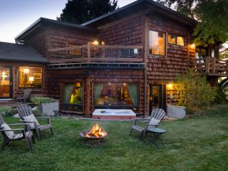 Cherry Creek Guest House - 3 miles from Downtown Bozeman with incredible views. - Bozeman vacation rentals
