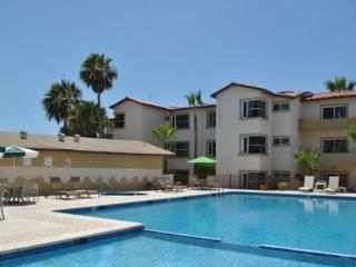 Gorgeous 2 bedroom Rosarito Apartment with Shared Outdoor Pool - Rosarito vacation rentals