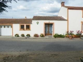 Bright 4 bedroom Chauve House with Short Breaks Allowed - Chauve vacation rentals