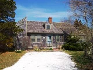 Convenient 3 bedroom Nantucket House with Deck - Nantucket vacation rentals