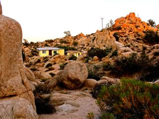Comfortable 2 bedroom Cottage in Yucca Valley - Yucca Valley vacation rentals