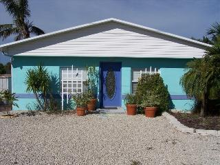 Waterfront Cottage Minutes to Pine Island Sound - Saint James City vacation rentals