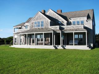 Bright 4 bedroom House in Siasconset with Deck - Siasconset vacation rentals