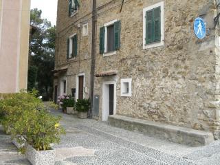 Romantic 1 bedroom Condo in Bordighera - Bordighera vacation rentals