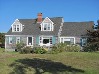 3 Bedroom 2 Bathroom Vacation Rental in Nantucket that sleeps 8 -(9861) - Nantucket vacation rentals