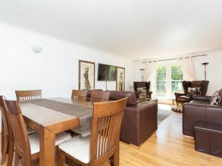 A smart and stylish apartment in Maida Vale. - London vacation rentals
