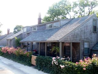 5 Bedroom 3 Bathroom Vacation Rental in Nantucket that sleeps 9 -(9910) - Nantucket vacation rentals