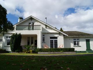 The Manor - Gorgeous, quiet and central - Rotorua vacation rentals