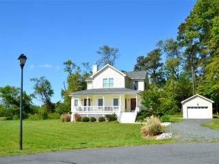 Gorgeous Atlantic House rental with Deck - Atlantic vacation rentals
