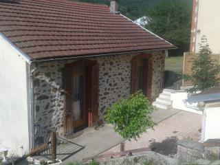 """""""La Maison de Gaspard"""" jusqu'6 personnes Aveyron - Decazeville vacation rentals"""