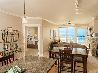 2 Bdrm, Top Floor, HOT TUB - Spring Special - Lincoln City vacation rentals