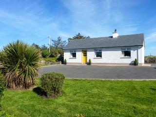 THE CROMLECH COTTAGE, detached cottage by historic Dolmens, woodburner, garden, near Narin, Ref 919578 - Narin vacation rentals