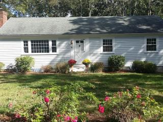 Cute 3 Bedroom Near Harwichport Center - Harwich Port vacation rentals